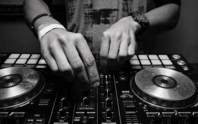 What Is A Wedding DJ?